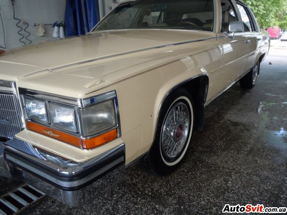 Cadillac Brougham Fleetwood Brougham, фото #1